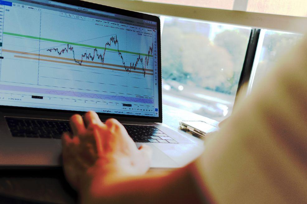 UK Factory PMI verzeichnet schnellstes Speicherwachstum ohne Reuters-Deal seit 2017