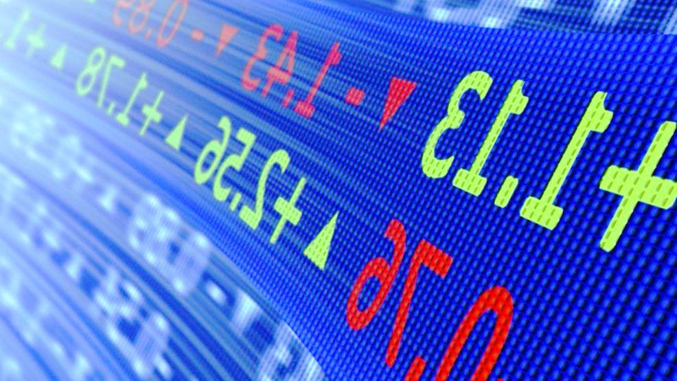 Dollar Kanten höher; Der Abwärtstrend bremst die Löhne für Investing.com