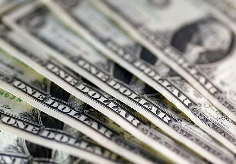 Dolar w dół, spowalnia Rally Ponad Skarbu Państwa Yields Retreat przez Investing.com
