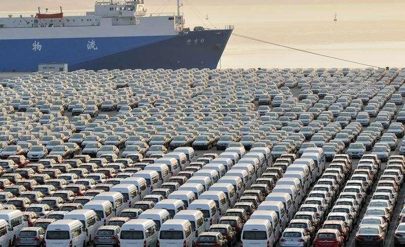 Nadwyżka handlowa Chin uderza rekord pandemii paliw eksportu Przez Bloomberg