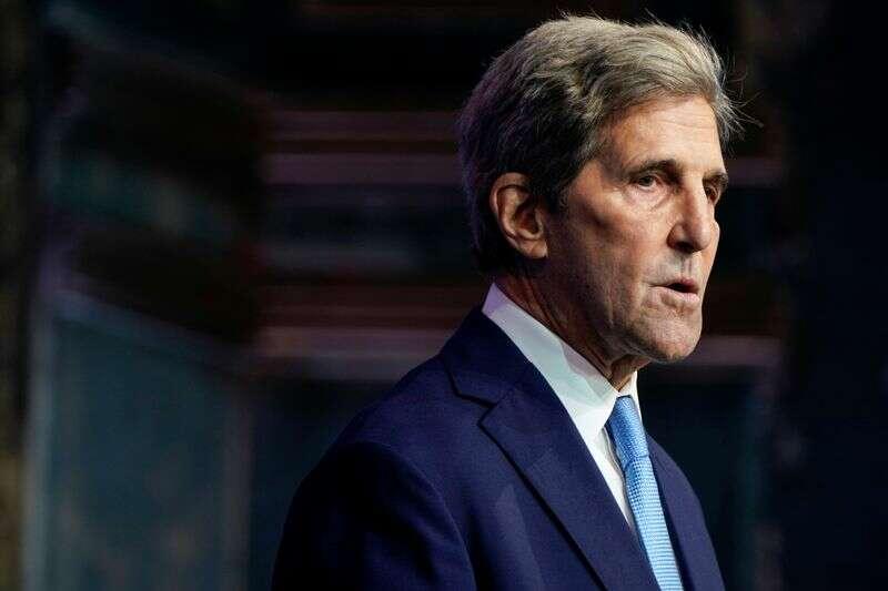 Wysłannik USA Kerry wzywa do przyspieszenia działań w zakresie zmian klimatu Reuters