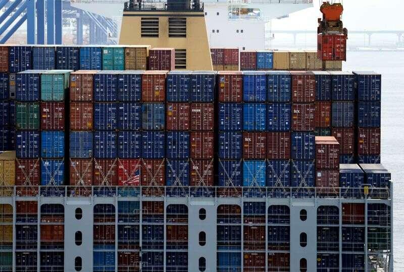 Eksport Korei Południowej w styczniu prawdopodobnie wzrośnie w trzecim miesiącu, co stanowi podstawę tempa ożywienia: Sondaż Reutersa