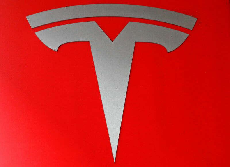 StockBeat: Tesla\'s Foray Into Bitcoin podnosi czerwone flagi, zarówno stare, jak i nowe przez Investing.com