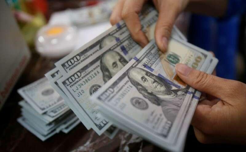 Dolar w górę, inwestorzy czekają Powell, Yellen Kongresu Zeznania Investing.com