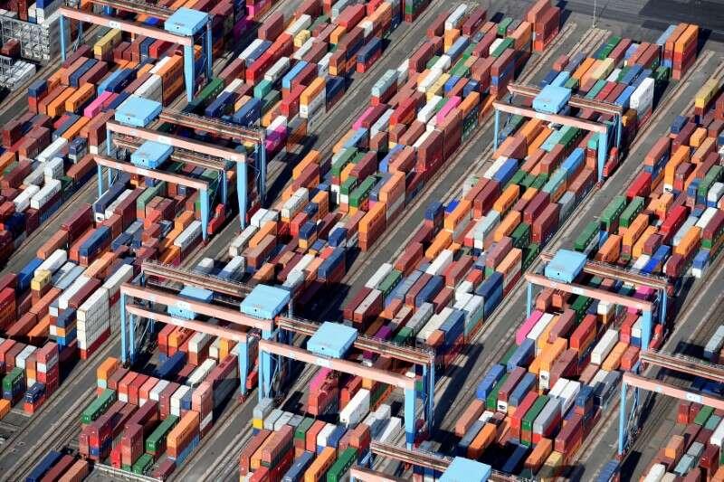 Niemieccy eksporterzy mają nadzieję na skorzystanie z wzrostu gospodarczego w Azji, USA - Ifo By Reuters