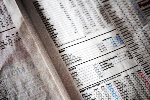 Dollar w dół, oznaki spowolnienia w chińskim ożywieniu gospodarczemu przez Investing.com
