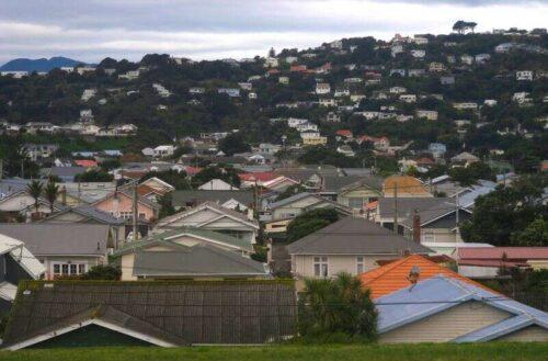 Środki chłodzące robiące niewiele do zwolnienia boomu mieszkaniowego Nowej Zelandii przez Reuters