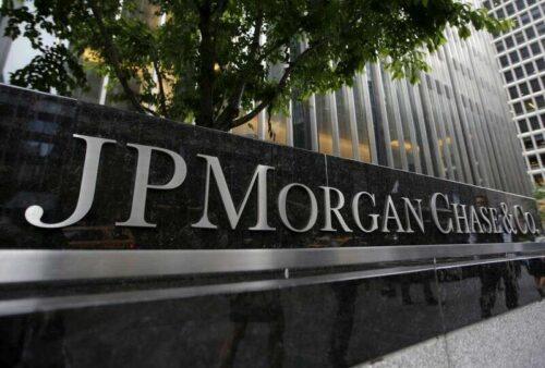 JPMorgan Mandates Maski dla pracowników w U.S. Sieci - Memo przez Reuters