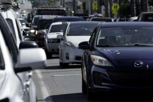 Kierowcy przyspieszają odzyskiwanie zapotrzebowania na olej, ale droga przed przyszłością może być wyboisty przez Reuter