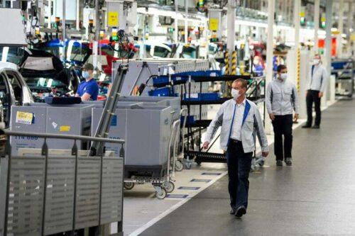 Euro Zone Business Boom ryknął w sierpniu -PMI przez Reuters