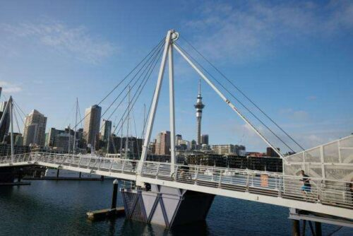 Nowa Zelandia Bezrobotna Krople do 4%, Zakłady Hike Hike Bloomberg