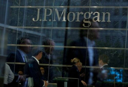 JPMorgan ma nadwagę nad suwerenami EM, widzi ściślejsze rozprzestrzenia się przez Reuters
