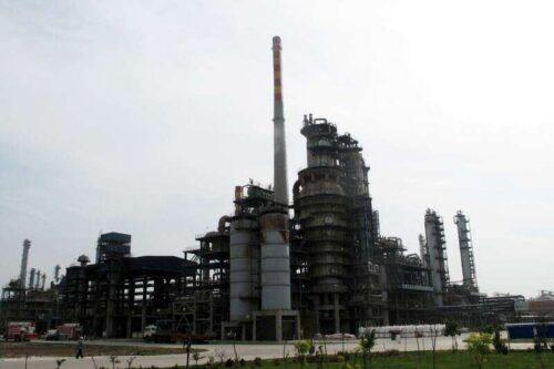 Chiny do Aukcji Off Regulacji Oil, aby pomóc w refinansowaniu przez Reuters