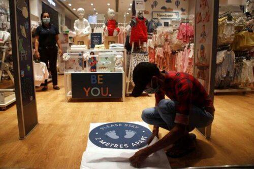 Indie August Service działalność rośnie w najszybszym tempie, ponieważ pandemia rozpoczęła się przez Reuters