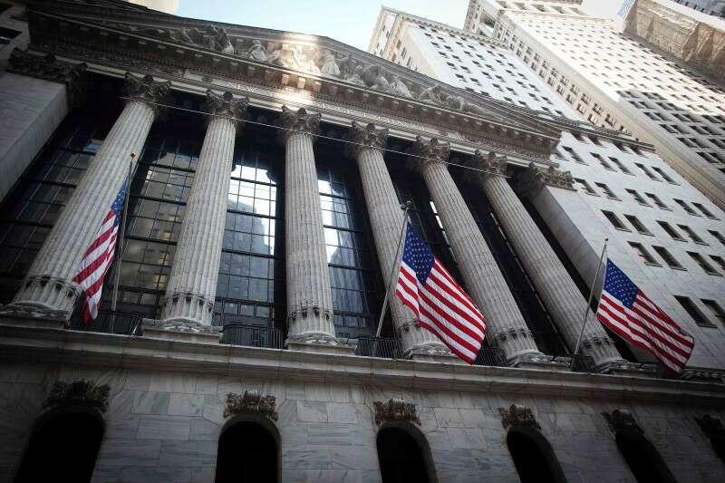 Wall Street otwiera się wyżej na suficie zadłużenia, ulgą energetyczną; Dow Up 400 PTS przez Investing.com