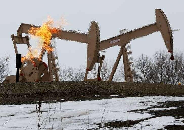 Surowe rekolekcje na ropie ropy po stukilowaniu rezerw strategicznych przez inwestycje