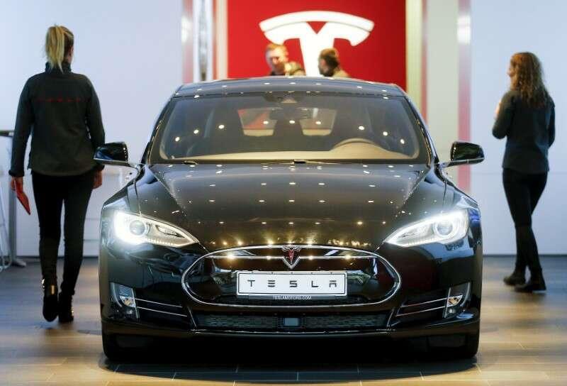 Tesla Sprzedaż, Verizon 5g, Zarobki IBM: 3 rzeczy do oglądania przez Investing.com