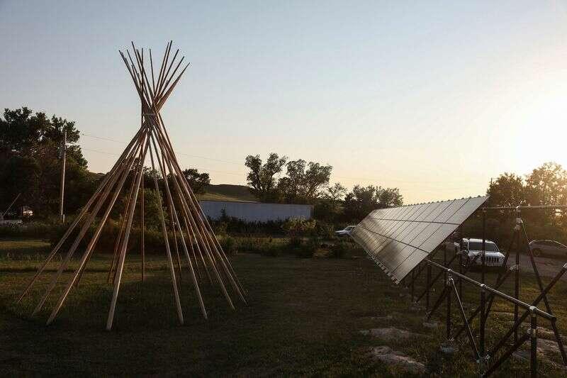 "Szkolenie \""Solar Warriors\"" dla Native America Energy Fight by Reuters"